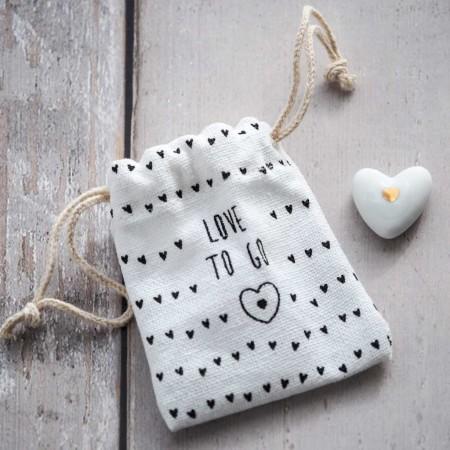"""Coeur pochette """"Love to Go"""""""